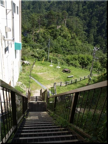 ここからしばらく階段続き