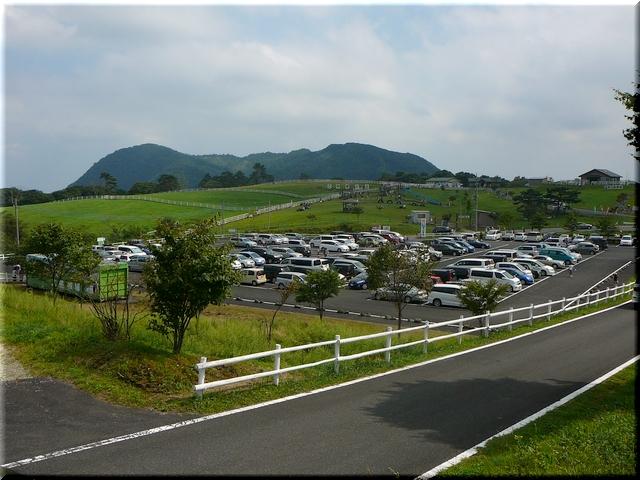 第二駐車場と広場