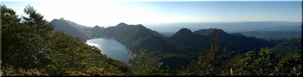 西峰から見る榛名カルデラ