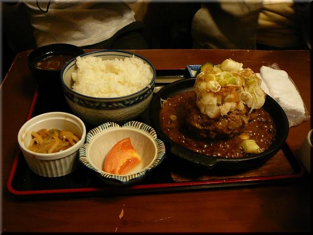 おろしハンバーグ定食(中盛)