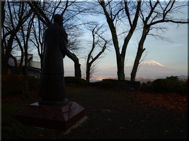 石川啄木像
