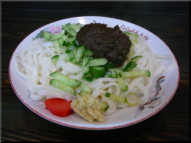 じゃじゃ麺(中)