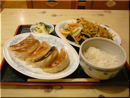 ジャンボ餃子+野菜炒め+半ライス