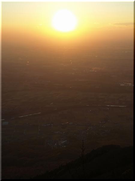 男体山山頂から見た夕陽