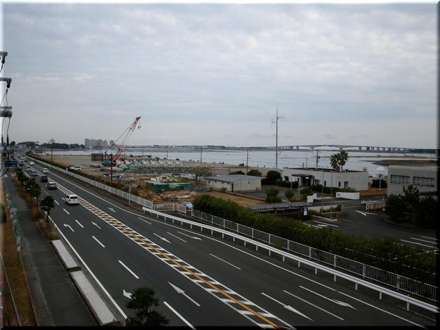 南側:遠くに望むは浜名大橋