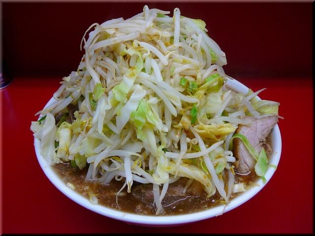 大ラーメン豚入(野菜マシマシ)