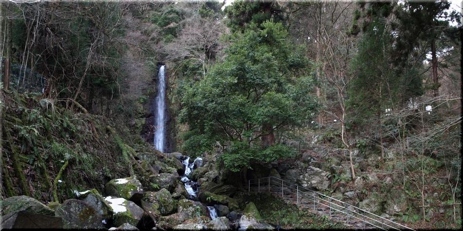 遊歩道から見た養老の滝周辺