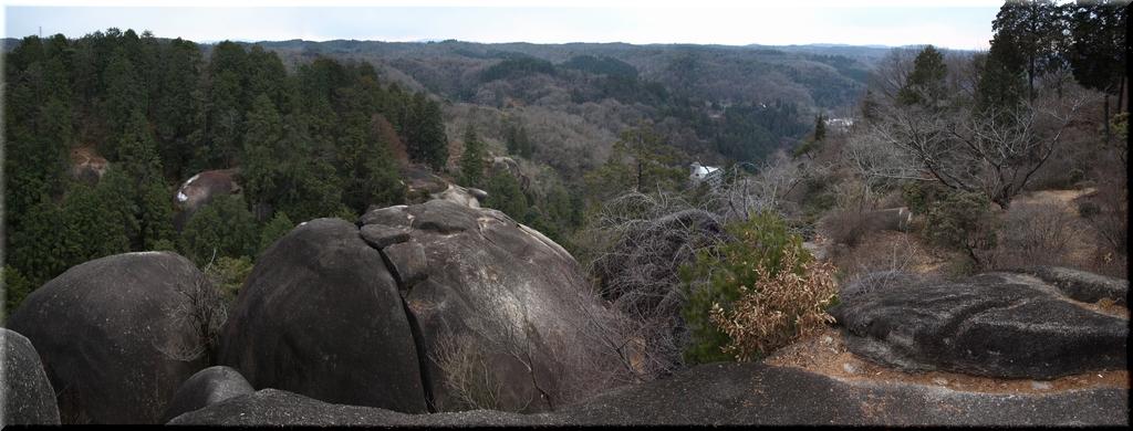 蓮華岩頂部付近から望むパノラマ