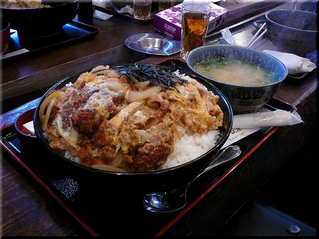 メガハーフ丼(親子&カツ)