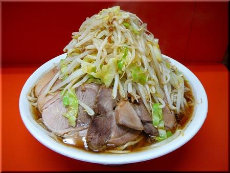 大豚(麺ちょい増し・野菜マシマシカラメ)