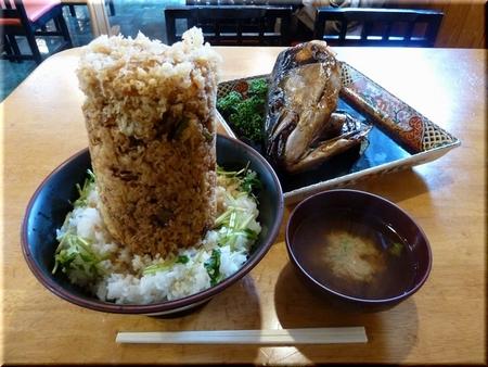 海鮮かき揚げ丼(大盛り)+ブリのかぶと煮