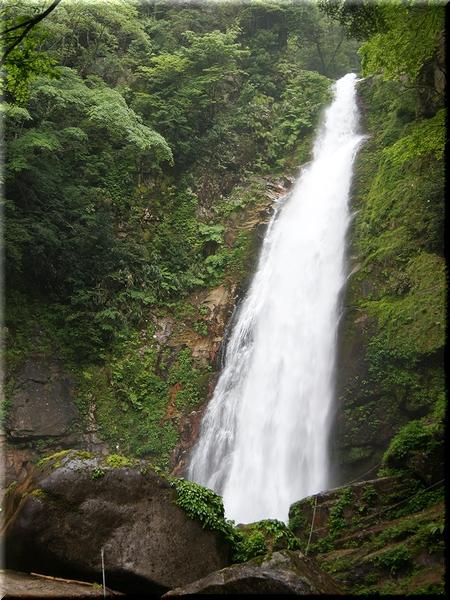 滝そのものはコチラ