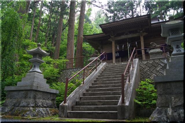 桜松神社本殿