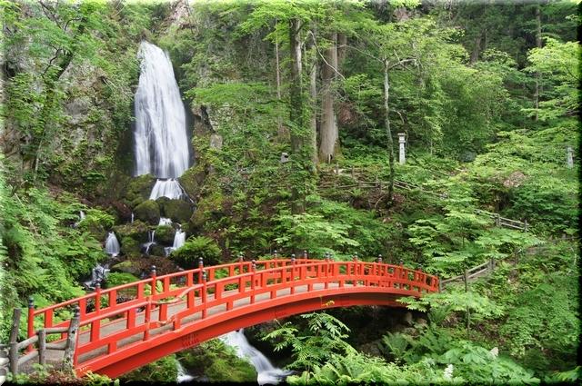 「岩手 不動の滝」の画像検索結果