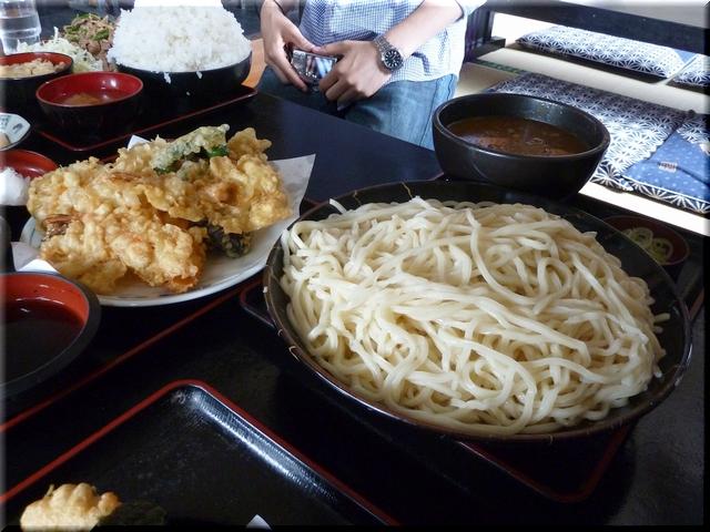カレーつけうどん(大盛り)+ 天ぷら盛り合わせ(大)