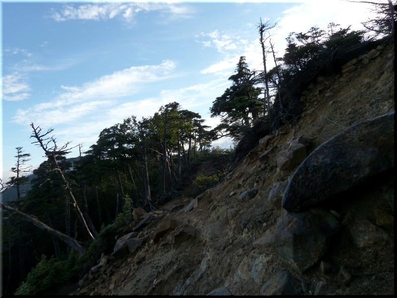 復路で撮影した岩場