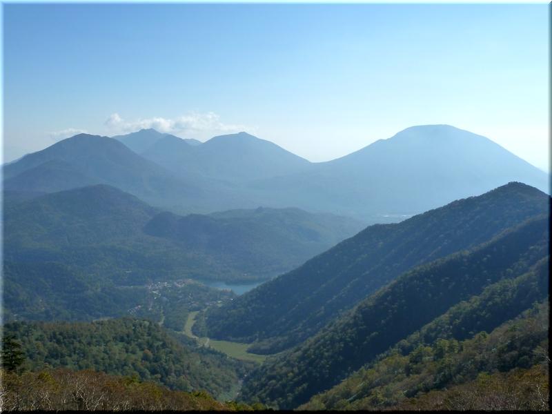 五色山から望む湯元&湯ノ湖