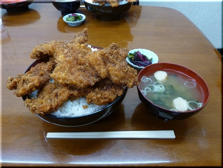 ソースカツ丼(三枚丼・大盛り)
