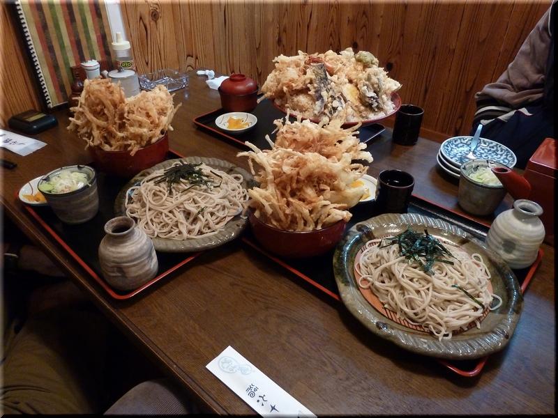 特大ジャンボエビ天丼+普通盛りとの比較