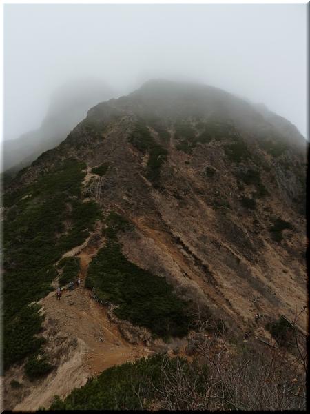 中岳中腹から見た阿弥陀岳