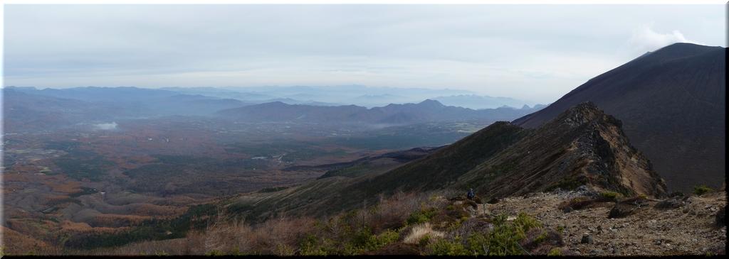 蛇骨岳から見た北~東のパノラマ