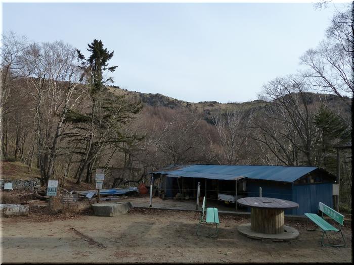 雷岩・大菩薩峠間の稜線
