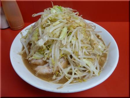 大ラーメン豚(野菜マシマシ)