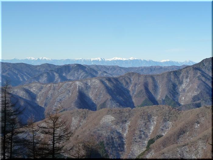 雪を被った南アルプス