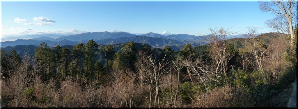 丹沢山地と富士山のコラボ