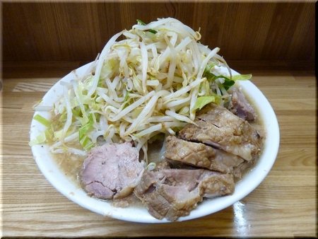 大豚ラーメン(野菜マシマシカラメ)
