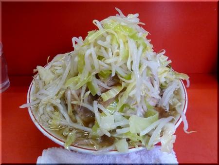 ぶた入り大ラーメン(野菜マシマシ)