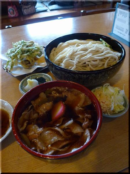 肉汁合い盛り(大盛り)+野菜天ぷら(小)