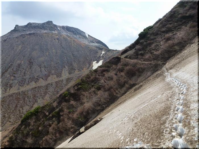 雪渓再横断