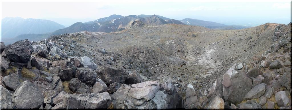 茶臼岳火口