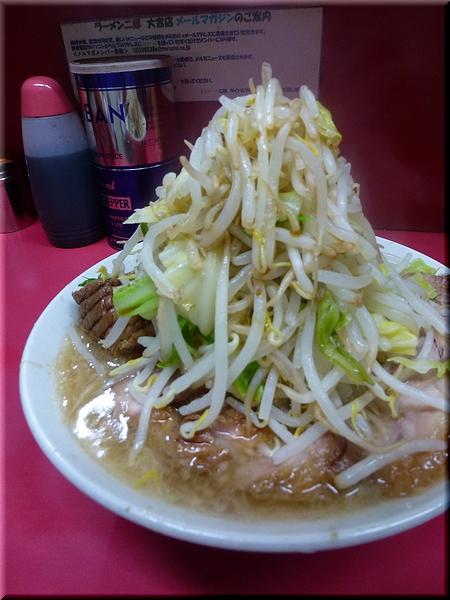 豚増しラーメン(野菜マシマシ)