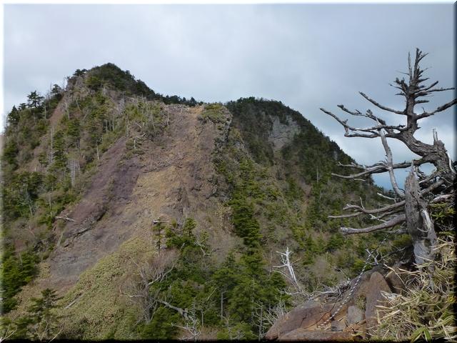 鋸山の岩峰