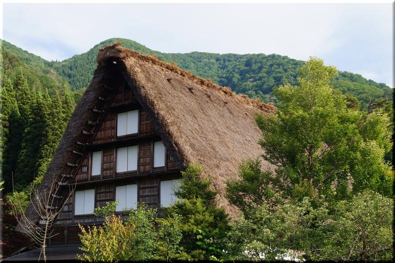 荻町地区最大の家屋