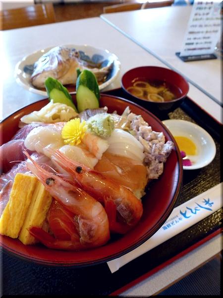 海鮮丼(大盛り)+タイかぶと煮