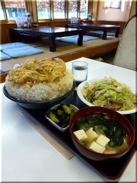親子丼(大盛り)+野菜炒め