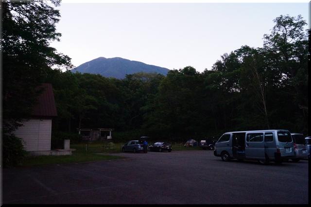 半月湖キャンプ場駐車場
