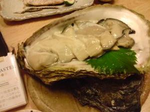 岩牡蠣大きすぎ