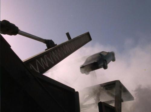 プレス機からターボブースト点火で脱出!でもミニチュア撮影!