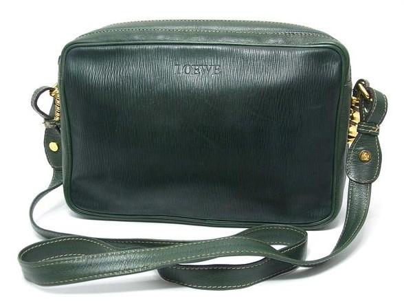 dc027a742a07 ロエベ LOEWE ] 本革型押しレザーショルダーバッグ緑♪|ロエベのバッグ ...