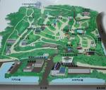 千秋公園の入り口にある看板。「与次郎稲荷」はどーこだ。(画像がちっさくてわからないかな)