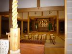 八幡神社のなか。扇のマークが佐竹氏の家紋(?)です。