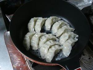 簡単料理レシピ, 冷凍餃子の正しい焼き方(作り方)