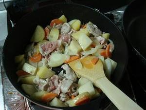 簡単,クリームシチューの作り方,レシピ,初心者向け,おいしいクリームシチュー,通販,レミパン,ホワイトシチュー