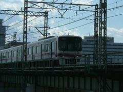 070303京王線8000系