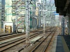 神田駅2番線ホームの風景