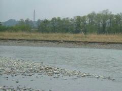 雨の上がった多摩川